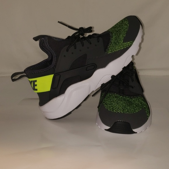 e0f5f31bac Nike Shoes | Huaraches Size 7 Youth | Poshmark